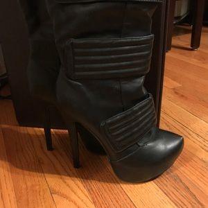 Black Aldo Cenisio sexy heels new in the box